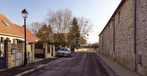 La rue de la Beauvoisière (voirie, trottoir, éclairage)
