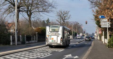 Le couloir de bus prioritaire route de Corbeil