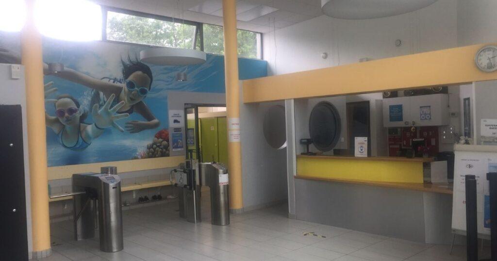 Hall de la piscine à Morsang-sur-Orge