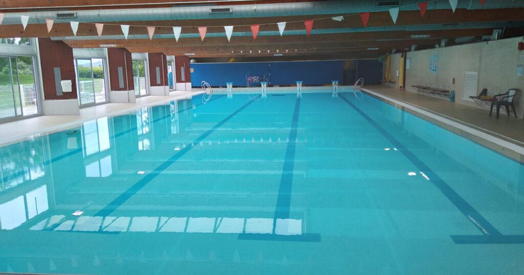 Bassin de la piscine à Saint-Miche-sur-Orge
